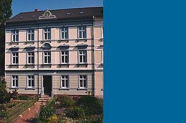 Hausbau-Fassade Wohn- und Geschäftshaus