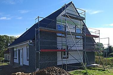 Hausbau-in-der Krise Neubau eines Einfamilienhauses